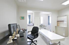 診察室2()